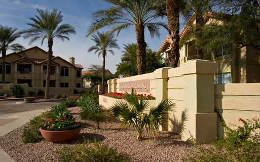 Coronado Crossing apartments near Price Corridor and Chandler Fashion Center - Chandler, Arizona