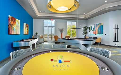 Luxury apartments in north Scottsdale az - Avion On Legacy game room