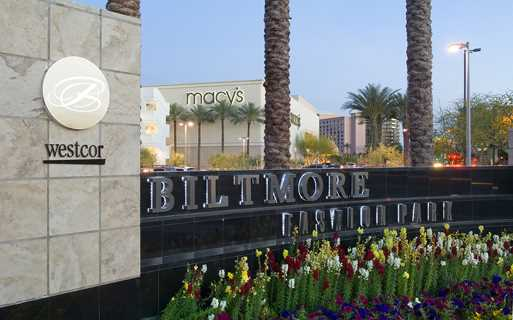 Phoenix luxury apartments - District at Biltmore one block from Biltmore Fashion Park