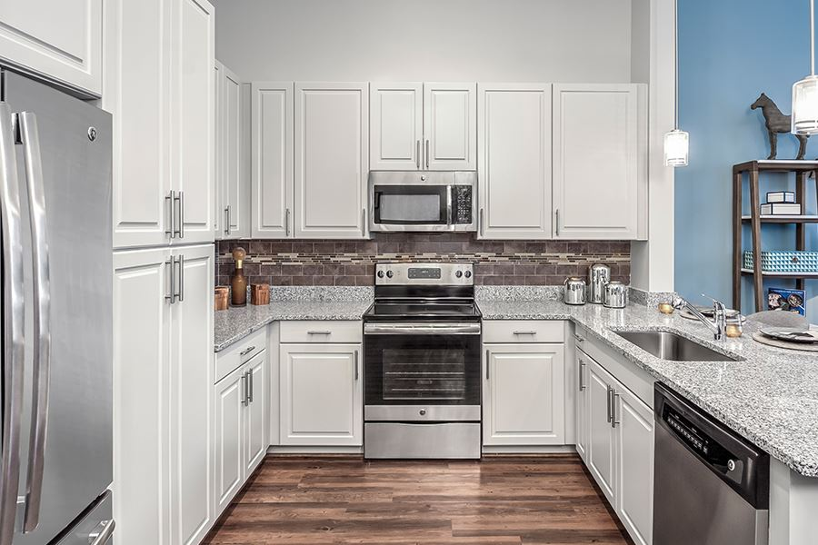 Granite Countertops With Tile Backsplash