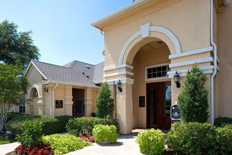 The Resort Apartments Grapevine Tx