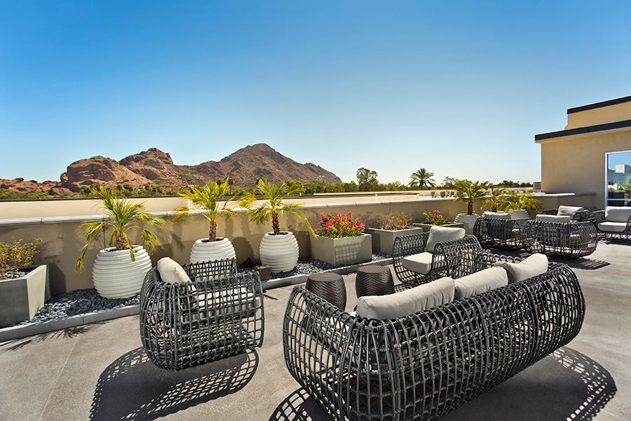 Camelback apartments in phoenix az citrine gallery for 44th street salon