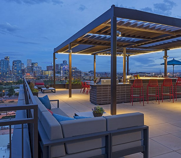 Studio LoHi Rooftop lounge with amazing views of Downtown Denver, CO - LoHi Rentals