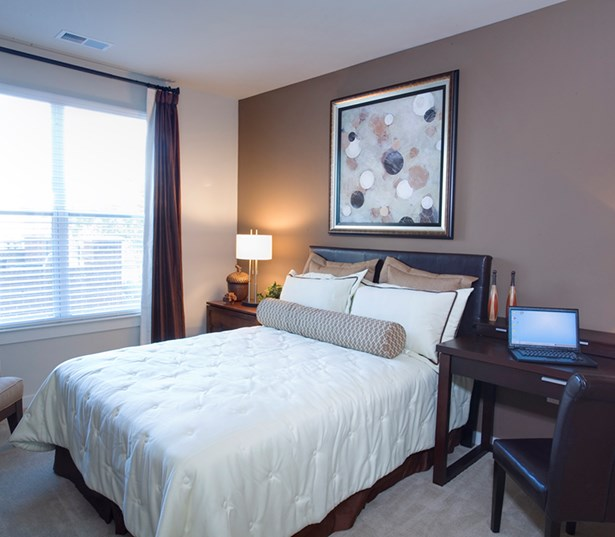 Gramercy Square At Ayrsley Spacious bedroom with large closets Charlotte NC - Berewick