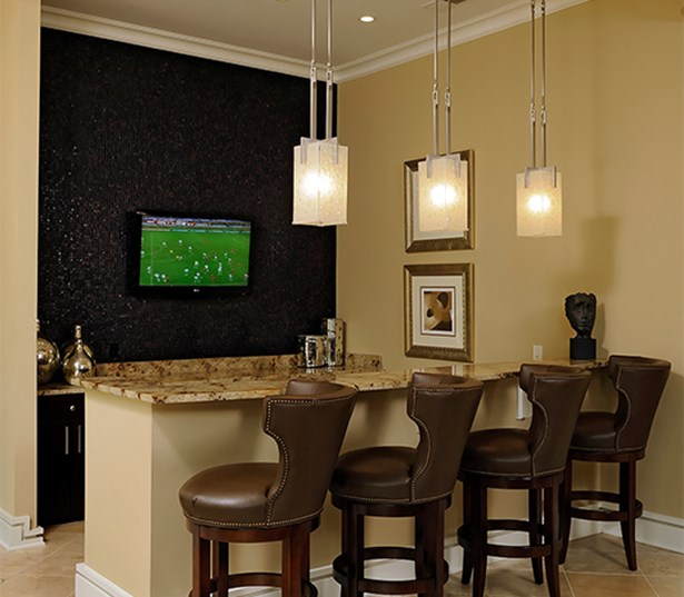 Gramercy Square At Ayrsley Clubhouse with TV and bar Charlotte NC - Berewick
