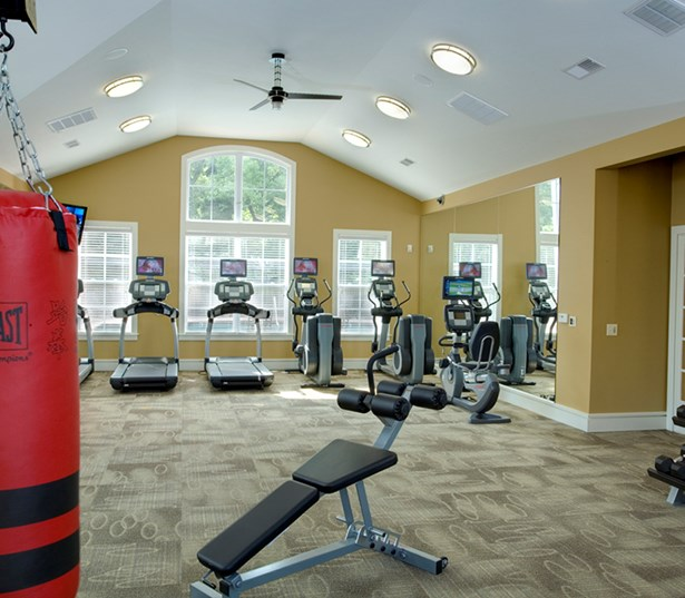 Gramercy Square At Ayrsley Fully equipped fitness center Charlotte NC - Olde Whitehall