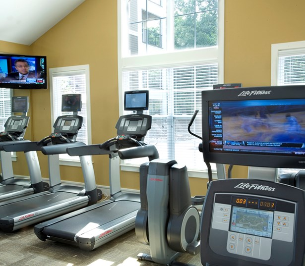 Gramercy Square At Ayrsley Fitness center with TV, cardio equipment Charlotte NC - Steel Creek