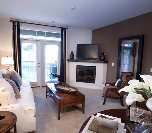 Gramercy Square At Ayrsley Living room with optional electric fireplace Charlotte NC - Steel Creek