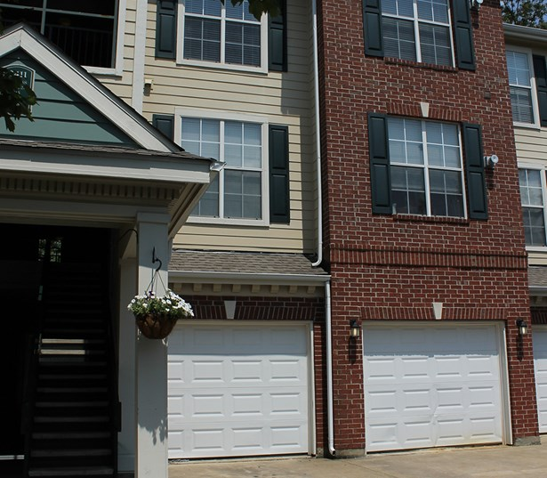 The Madison Features 1,2 & 3 bedroom homes with attached garages Richmond VA - Henrico
