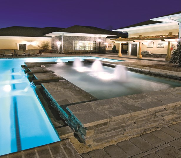 Duluth, GA apartments - Menlo Creek Resort style saltwater swimming pool with cascading fountain