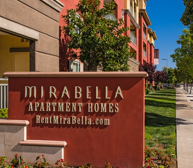 Bella Apartments: Mission Valley Apartments In San Diego