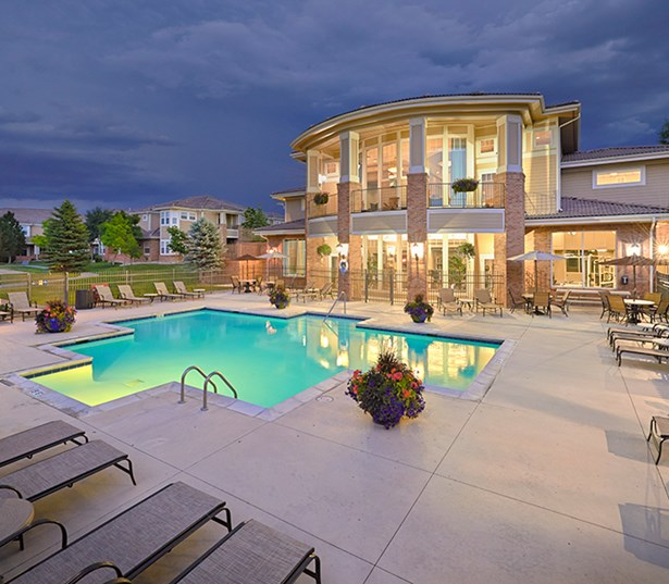 Apartments in Parker - The Meadows At Meridian Expansive swimming pool with lounge and sundeck