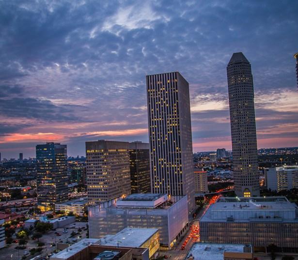 Apartment Locator Houston Texas: Apartments In Downtown Houston: SkyHouse Houston