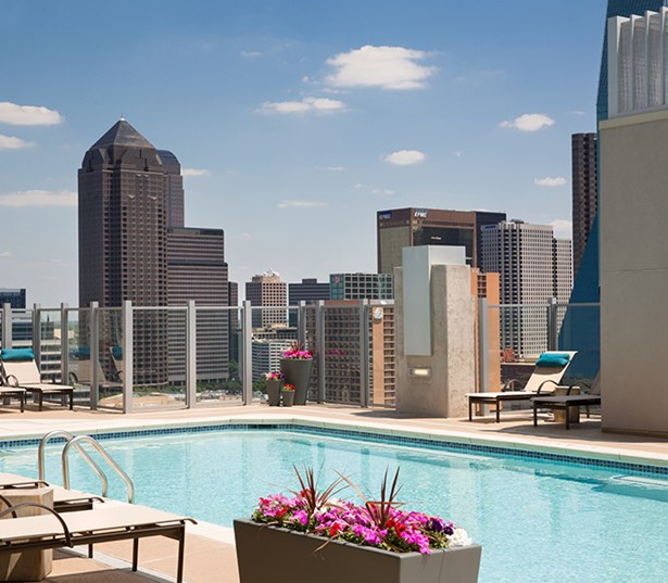 SkyHouse Dallas - Rooftop pool and sundeck - Klyde Warren Park District Apartments