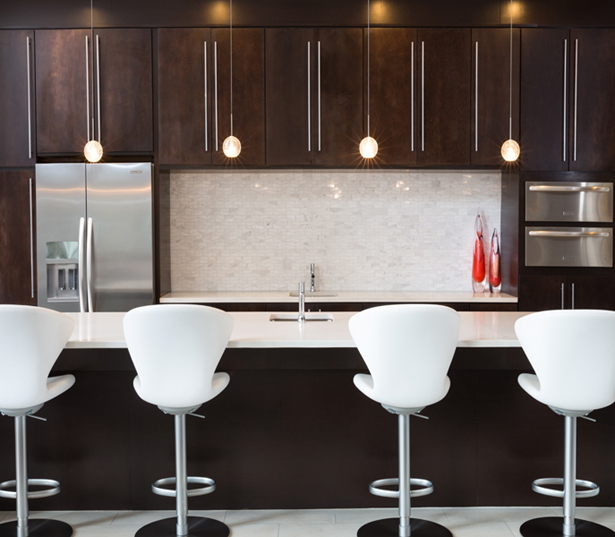 Strata Apartments - Demonstration kitchen - Apartments in Knox-Henderson Dallas
