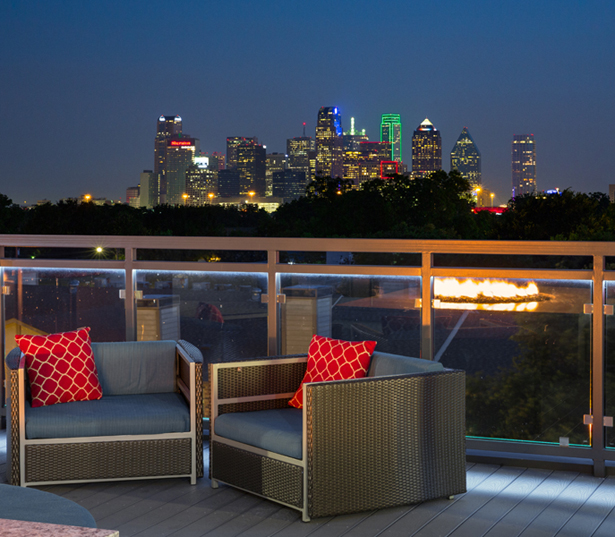 Strata Apartments - Views of downtown Dallas TX - Apartments in Fitzhugh