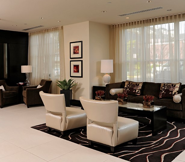 The Reserve At Tysons Corner lobby 24 hour concierge Vienna VA - Mclean