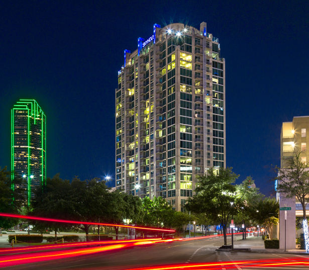 Victory Park Apartments for Rent - SkyHouse Dallas - Victory Park