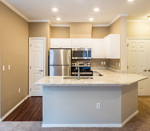 Issaquah apartments near Siemens - Boulder Creek Gourmet kitchen - island and granite countertops
