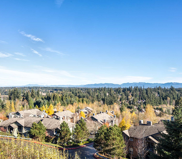 Issaquah Highlands apartments in Sammamish - Boulder Creek Nature trails and majestic mountain views