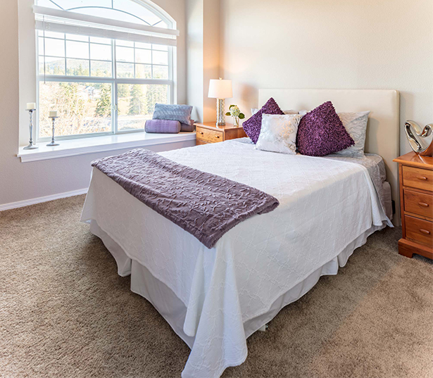 Issaquah Highlands apartments for rent - Boulder Creek built in bench seating arched windows