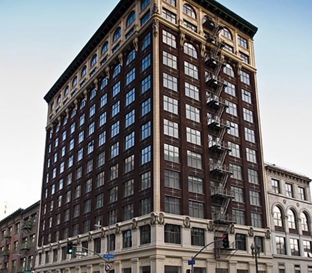 Downtown Apartments On De La Montagne Montreal: The Brockman Lofts Apartment