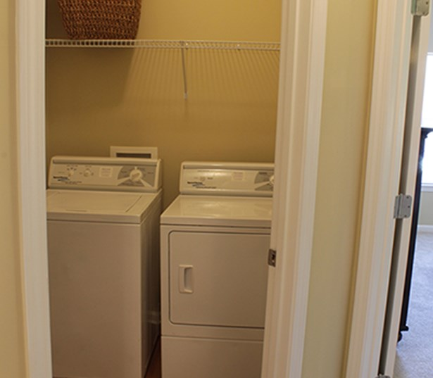 Johns Creek apartments for rent in Duluth - Menlo Creek Full size washer and dryer connections