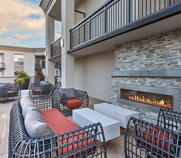 Myers Park apartments near Duke Energy - The Encore SouthPark - rooftop lounge
