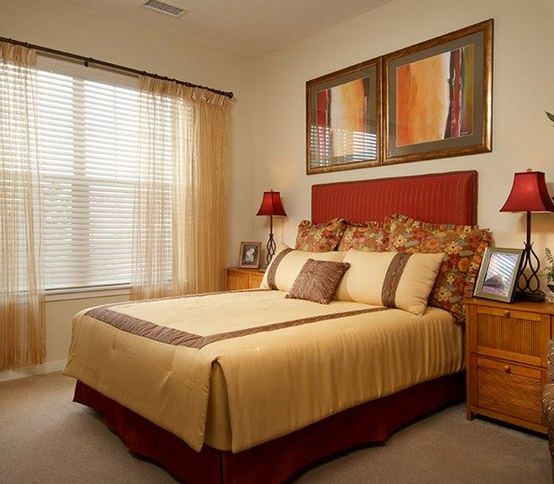 Apartments near Comcast - The Sanctuary At Tallyn's Reach Master bedroom with large windows