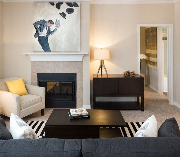 Villas at Stonebridge Ranch - Living room - Downtown McKinney Apartments