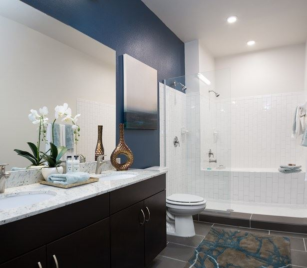 Austin Domain apartments - Addison at Kramer Station combination shower/tubs in select units