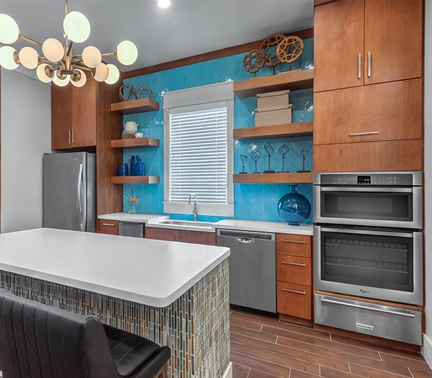 Suwanee apartments near Oracle - Artisan Station Apartments catering kitchen