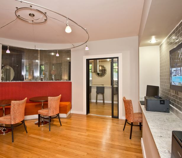 Lenox apartments in Atlanta, GA - Gramercy at Buckhead wifi lounge and business center