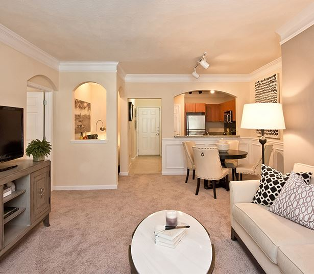 1 bedroom apartments in buckhead - Gramercy at Buckhead Living and Dining interior