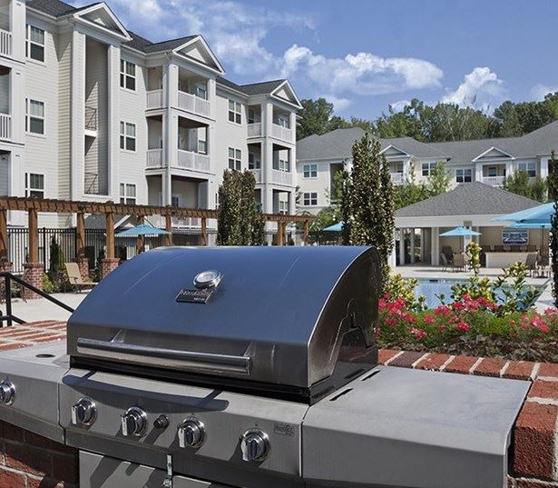 Chancery Village apartments in Cary near RDU Airport - Outdoor pool and grilling station