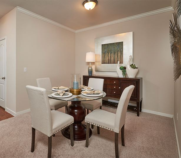 Apartments for rent near Centennial - Coyote Ranch Dining Room