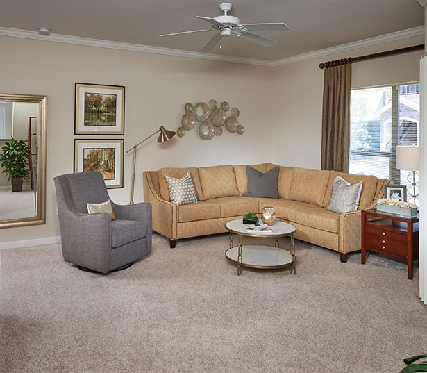 Southeast Aurora apartments for rent near Centennial Airport - Coyote Ranch Spacious Living Room