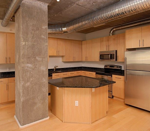Zoso Flats - Spacious kitchen - Clarendon Apartments in Arlington, VA