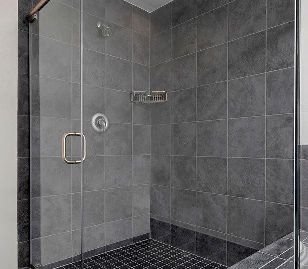 Zoso Flats - Frameless glass shower - North Arlington VA Apartments in Clarendon