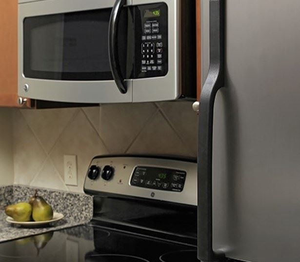 Parkside Apartments near RDU Airport - Chancery Village Upgraded kitchen with GE appliances
