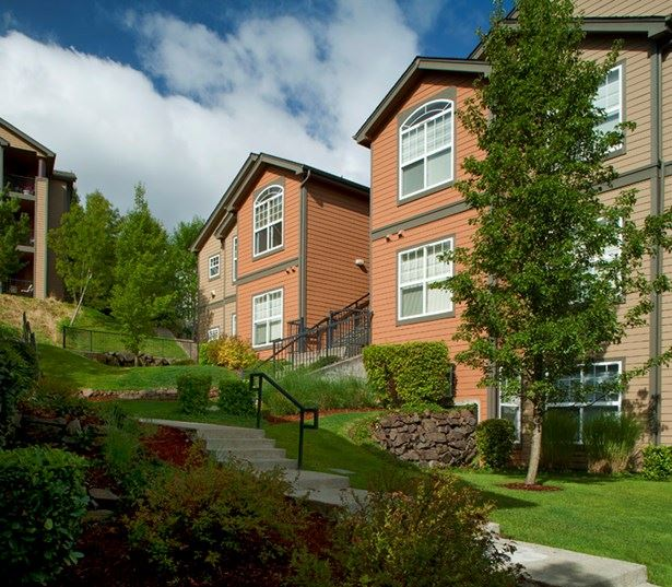 Issaquah Plateau apartments for rent near Swedish Hospital - Boulder Creek Building Exterior