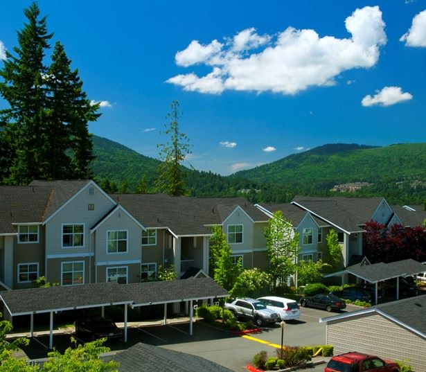Apartments near Front Street - The Timbers at Issaquah Ridge greenery and close to major freeways