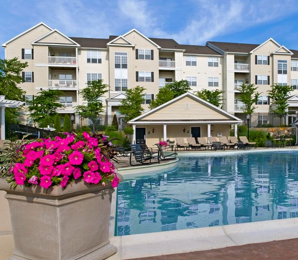 Highlands at Dearborn Resort Style Heated Swimming Pool Peabody MA - West Peabody