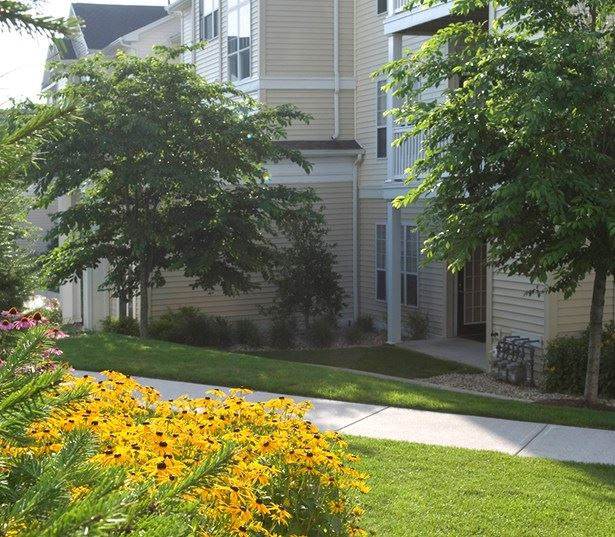 Highlands at Dearborn Features private covered patios or balconies Peabody MA - Route 1