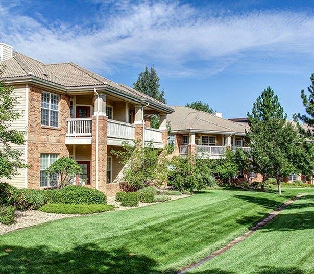 Carriage Place Beautiful landscaping surrounds the community Denver CO - Greenwood Village