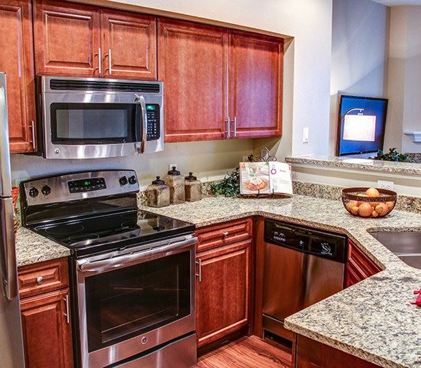 Carriage Place Brand stainless steel appliances and granite countertops Denver CO - Englewood