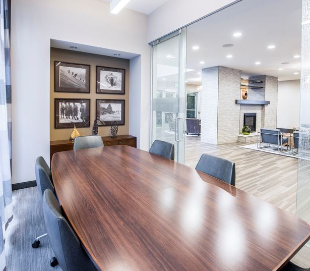 Denver apartments for rent in Uptown - SkyHouse Denver conference room