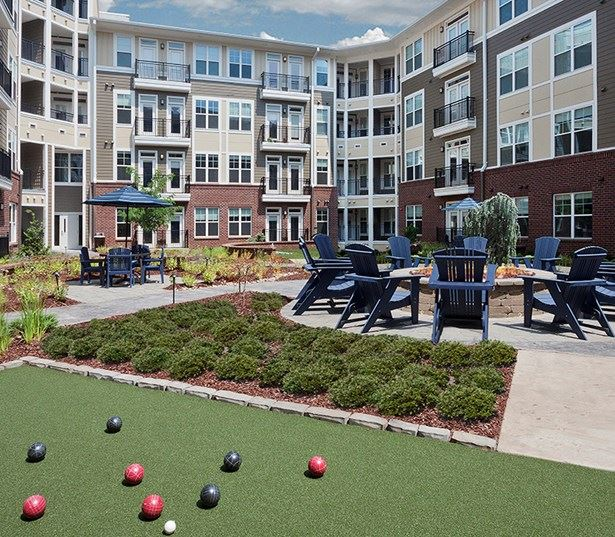 Marshall Park apartments for rent in Central Raleigh near Citrix - Bocce ball lawn