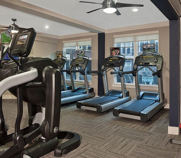 apartments near crabtree valley mall raleigh nc - Marshall Park 24 hour fitness club