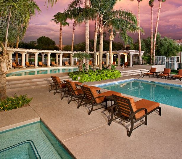 Apartments for rent in North Scottsdale - San Carlos Two outdoor swimming pools